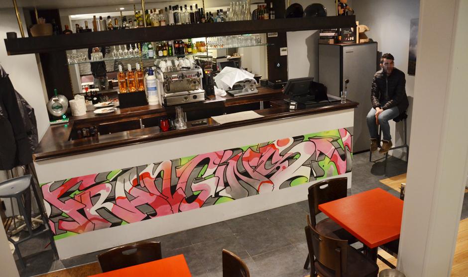 Bar personnalisé par le graffiti artiste