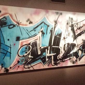 graffiti sur toile à la pinacothèque de Paris, 2015