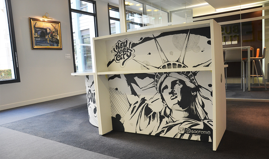 La statue de la liberté illustre la partie américaine du meuble.