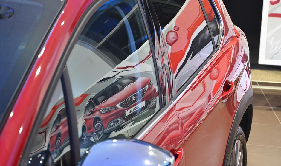 mélange de couleur reflet carrosserie, rouge noir et blanc