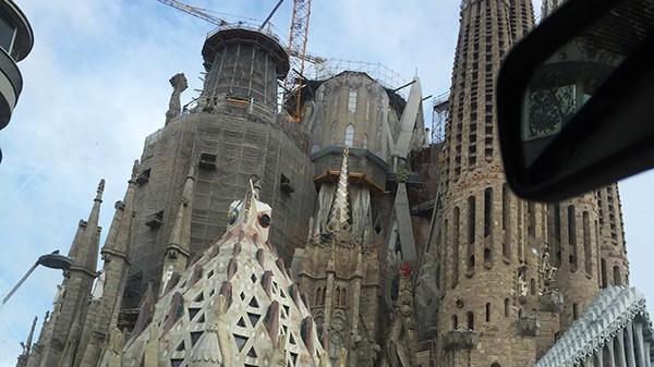 architecture moderne, futuriste, originale, contemporaine