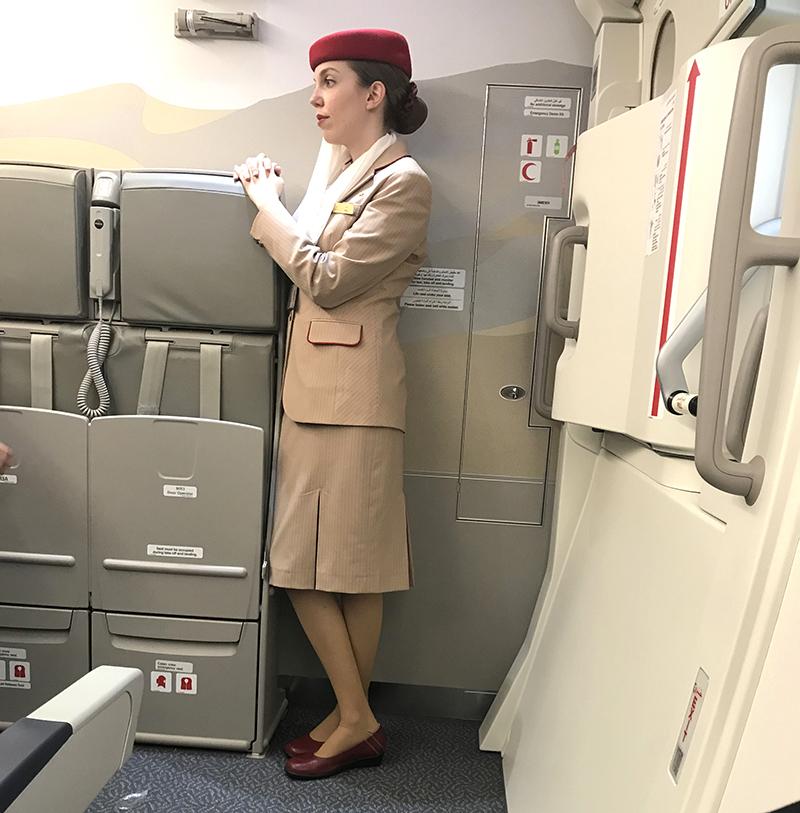 hôtesse de l'air, emirates, vol, paris, dubai