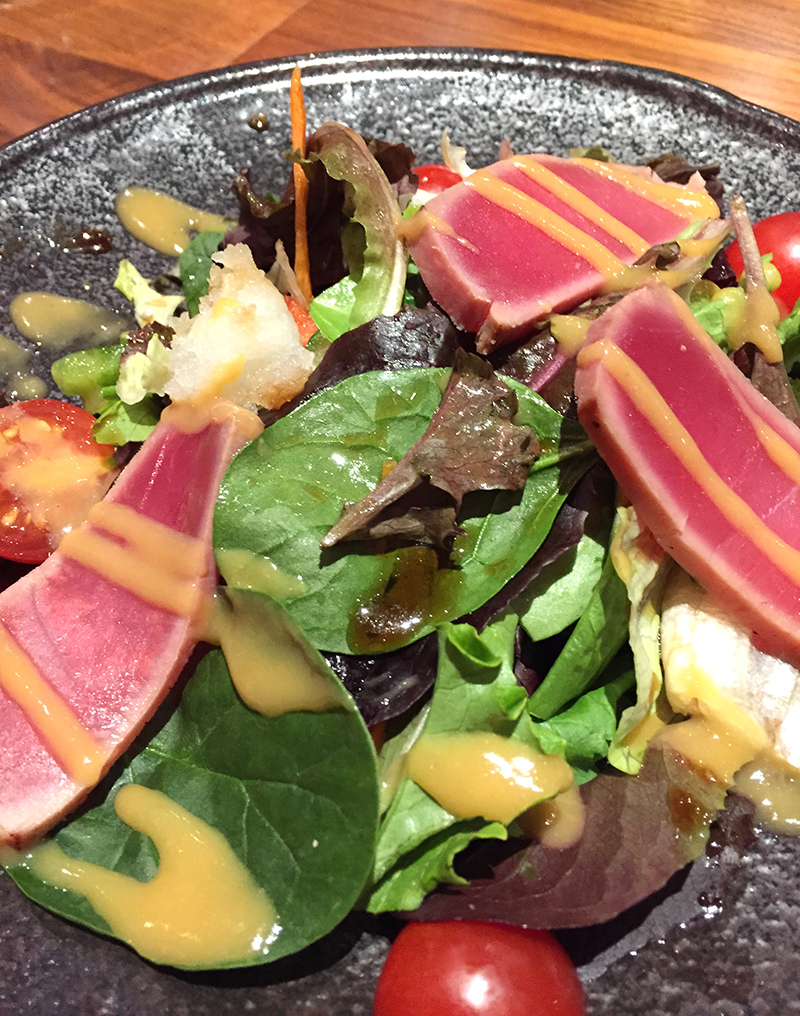 Salade, tomate, thon cru, japonais, New York