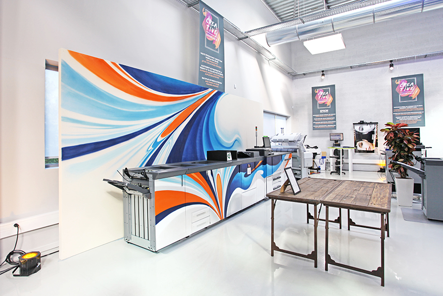 habillage, graffiti, machine, impression, orange, bleu, abstrait