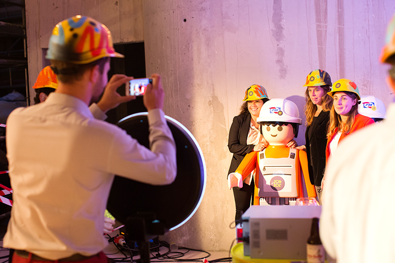 Soirée, chantier, Playmobil, Accor, graffiti
