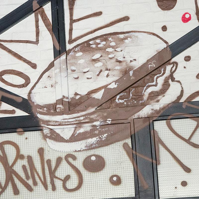 restaurant, street art Paris, burger , sandwich, américain