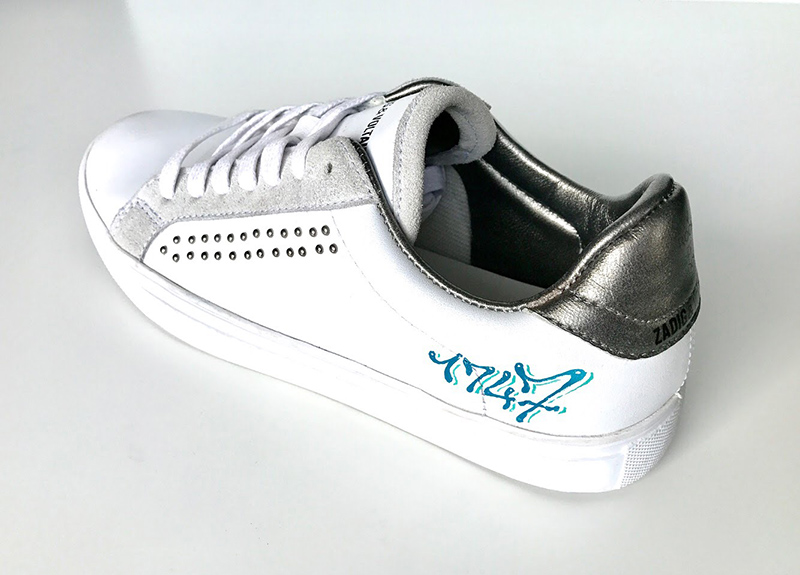 Une paire de chaussures uniques