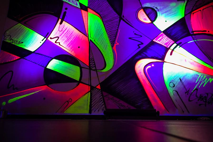 fresque, abstraite, graffiti, fluorescent, phosphorescent, lumière noire