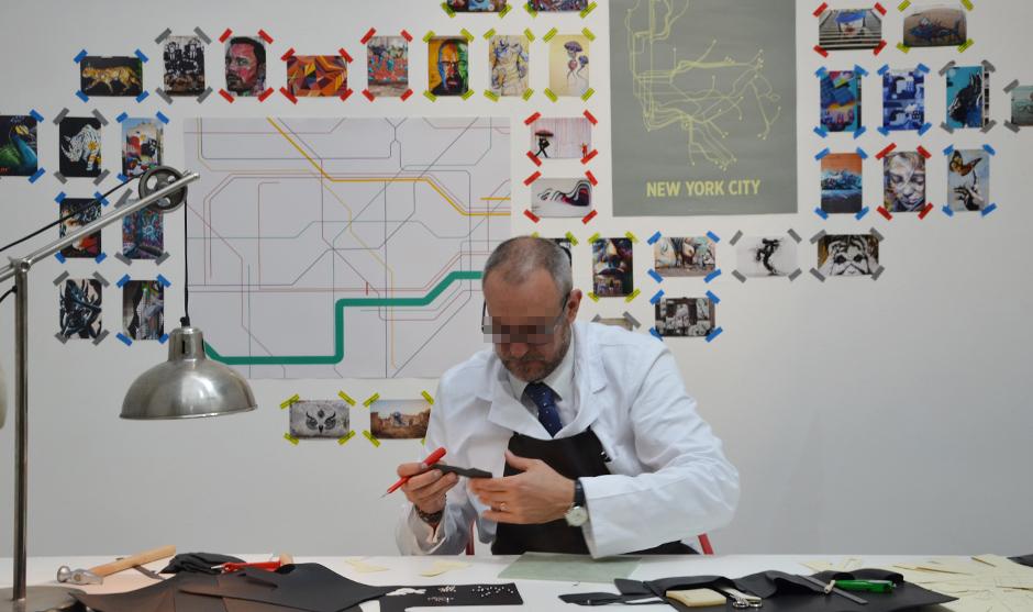 Artisan de cuir, savoir-faire, découpe, pièces, atelier, haut de gamme