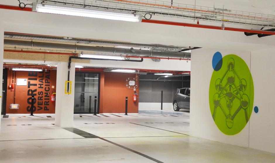 monument belgique atomium cercle vert parking BNP