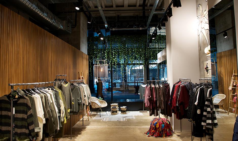 intérieur décoration intérieur de la boutique Nina Kendosa de Vill'Up
