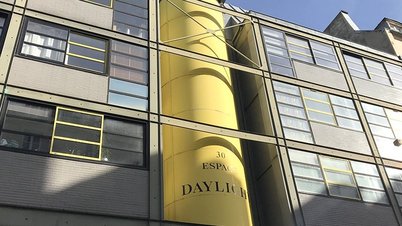architecture, espace, daylich, devanture, originale, paris, street art