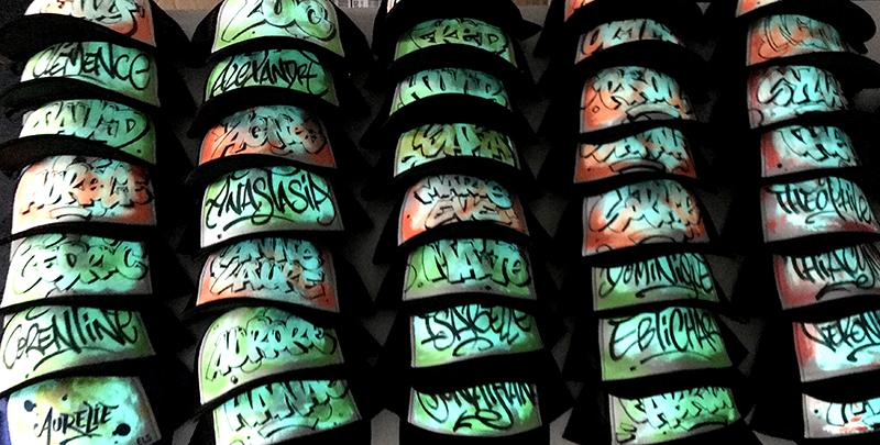 paint, phosphorescent, casquette, brille dans le noir