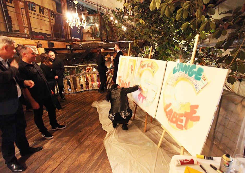 Coca Cola, graffiti, live art, apprentis, stagiaires, Paris, Graffiti
