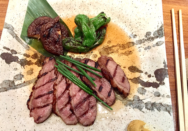 Ciboulette, tranches, canard, grillé, gastronomie japonaise, art culinaire