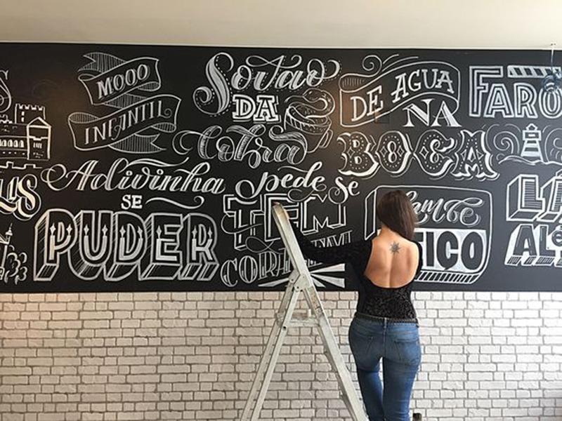 Jeune, ardoise, artiste, oeuvre, typographie, street art, graff