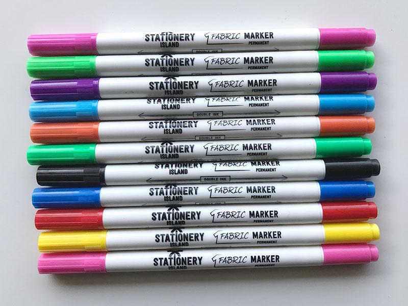 Palette de couleur de feutres spécialisés pour le dessin sur coton