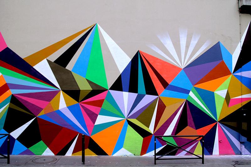 Fresque murale composée d'éléments géométriques