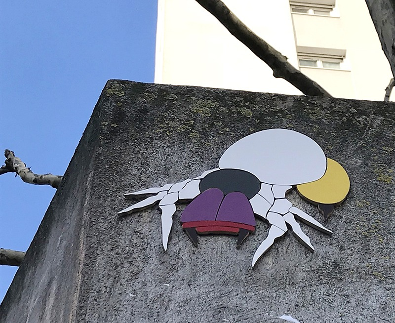 Mosaïque, graffiti, street art, insecte, installation, parisienne, parisien, street artiste