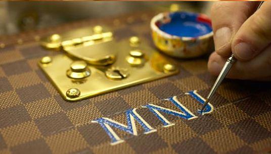peinture, cuir, typographie, haute de gamme, personnalisation