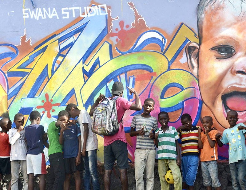 Graff sur le mur, école, Moroni, Comores