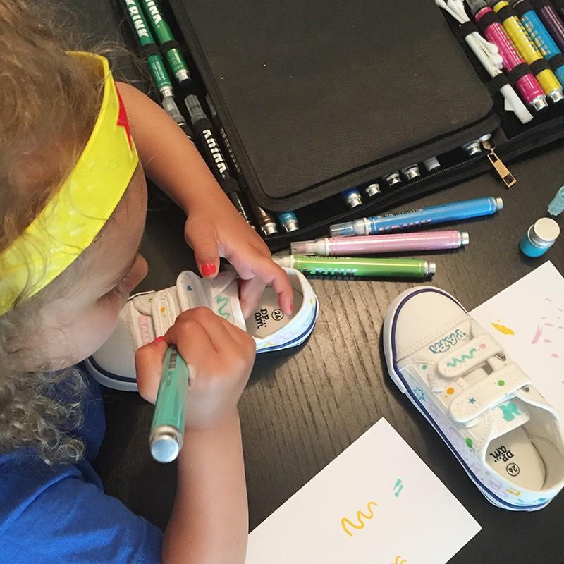 sneakers, enfant dessin, personnalisation atelier