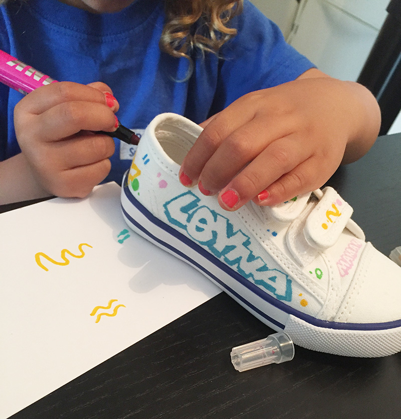 mains, enfant, marqueurs, Krink, art, graffiti , street art