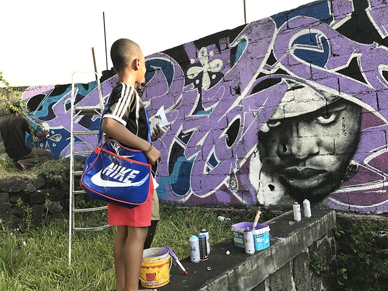 Enfant, graffiti, Comores, Nike, adidas