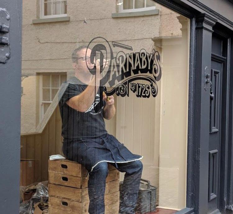Calligraphie, typographie, dessin, main, vitre, boutique