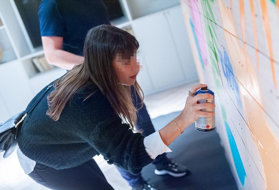 atelier, graffiti, street art, street artiste, parisienne, bombe, écologique, intérieur